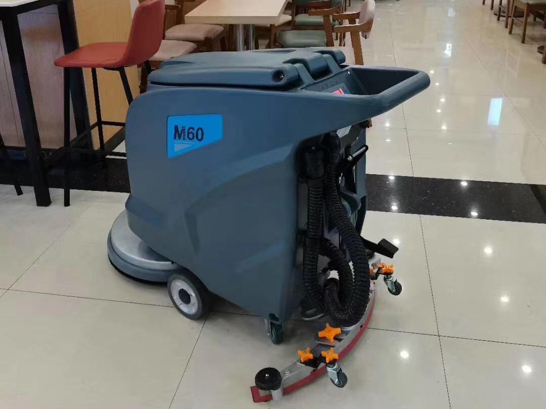 酒店餐厅清洁地面卫生适合使用全自动洗地机